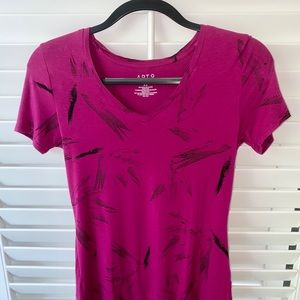 Women's Apt. 9  V-Neck Tee